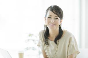 40代日本人ビジネスウーマンの写真素材 [FYI01622219]
