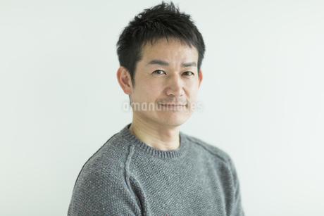 笑顔の日本人男性の写真素材 [FYI01622263]