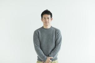 日本人男性の写真素材 [FYI01622274]