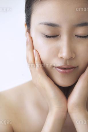 美容スキンケアイメージの写真素材 [FYI01622585]