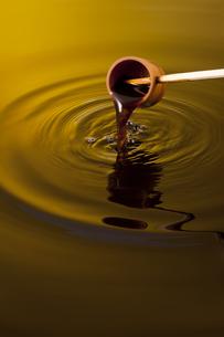 黒酢イメージの写真素材 [FYI01622674]