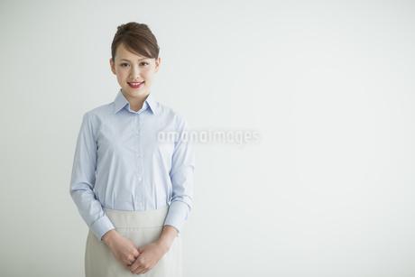 笑顔のビジネスウーマンの写真素材 [FYI01622760]