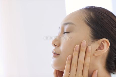 美容スキンケアイメージの写真素材 [FYI01622867]