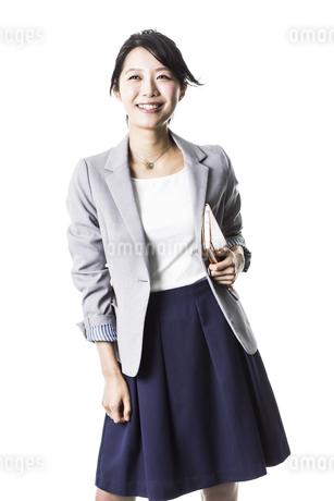 笑顔のビジネスウーマンの写真素材 [FYI01622888]