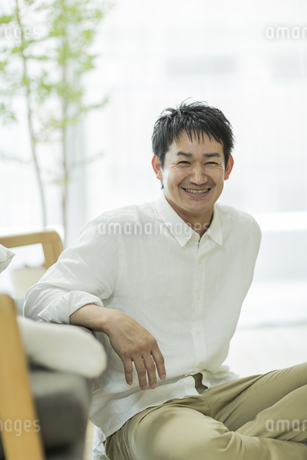 笑顔の男性の写真素材 [FYI01622992]