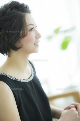 笑顔の女性の写真素材 [FYI01623032]