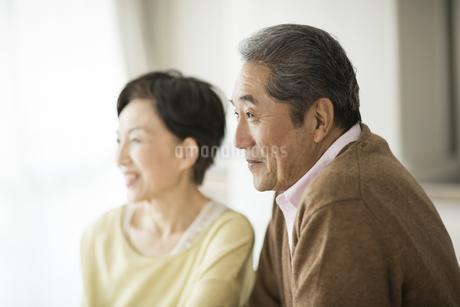 笑顔のシニア夫婦の写真素材 [FYI01623444]