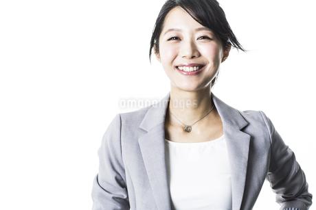 笑顔のビジネスウーマンの写真素材 [FYI01623532]