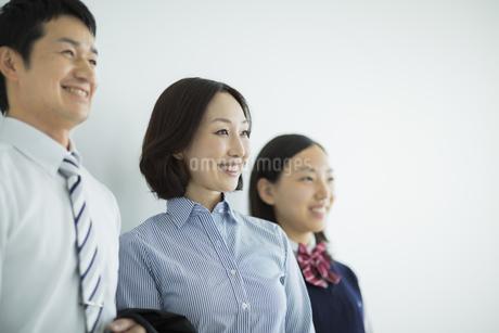 日本人3人家族の写真素材 [FYI01623567]