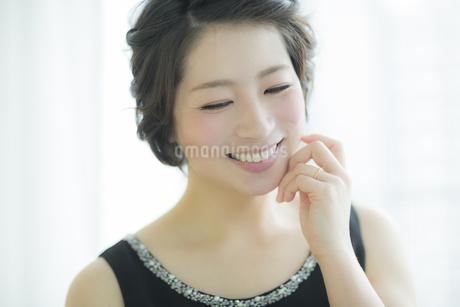 笑顔の女性の写真素材 [FYI01623637]