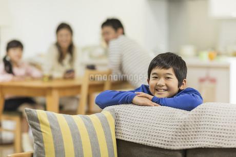 笑顔の男の子の写真素材 [FYI01623658]