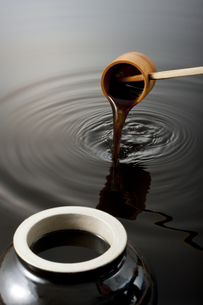 黒酢イメージの写真素材 [FYI01623671]