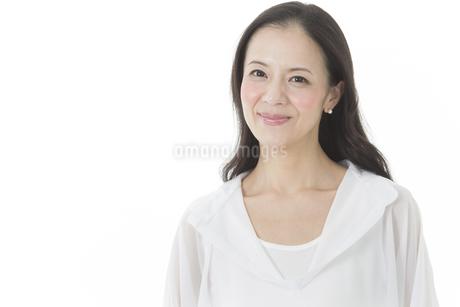 中年女性の美容イメージの写真素材 [FYI01623702]