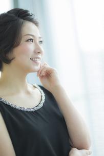 笑顔の女性の写真素材 [FYI01623721]