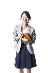 笑顔のビジネスウーマンの写真素材 [FYI01623761]
