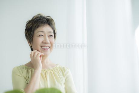 笑顔のシニア女性の写真素材 [FYI01623819]