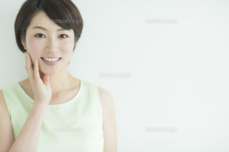 女性のビューティーイメージの写真素材 [FYI01624009]