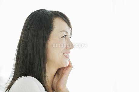 40代日本人女性の美容イメージの写真素材 [FYI01624049]