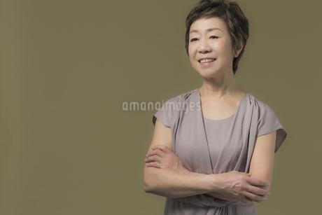 笑顔のシニア女性の写真素材 [FYI01624231]