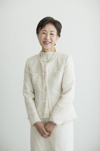 笑顔のシニア女性の写真素材 [FYI01624547]
