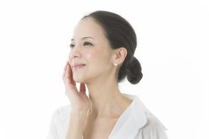中年女性の美容イメージの写真素材 [FYI01624574]