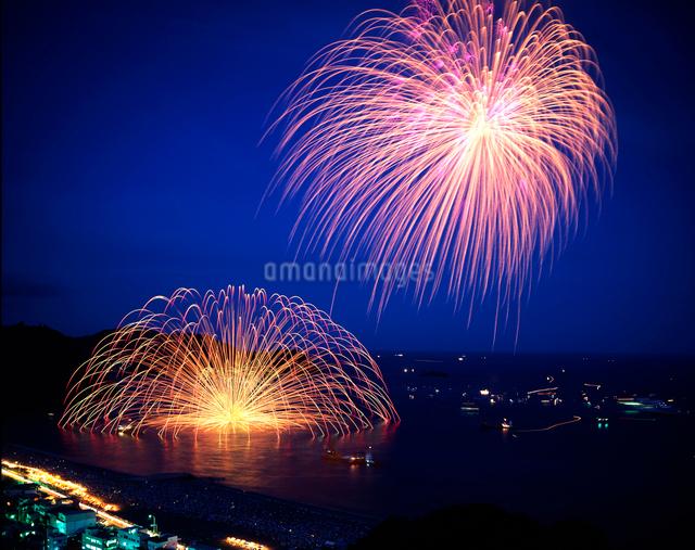 熊野の三尺大花火の写真素材 [FYI01624718]
