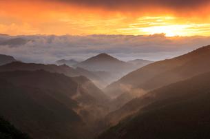 熊野古道中辺路の三越の朝の写真素材 [FYI01624977]