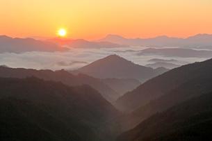 熊野の夜明けの写真素材 [FYI01625066]