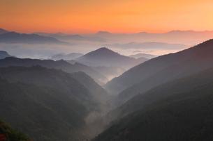熊野古道中辺路の三越の夜明けの写真素材 [FYI01625164]