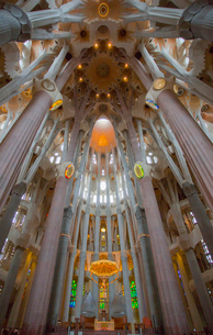 サグラダ・ファミリアの聖堂内部の写真素材 [FYI01625342]