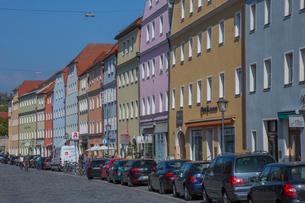 街並みと車の写真素材 [FYI01625350]