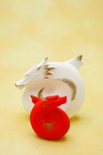 龍の置物の写真素材 [FYI01625670]