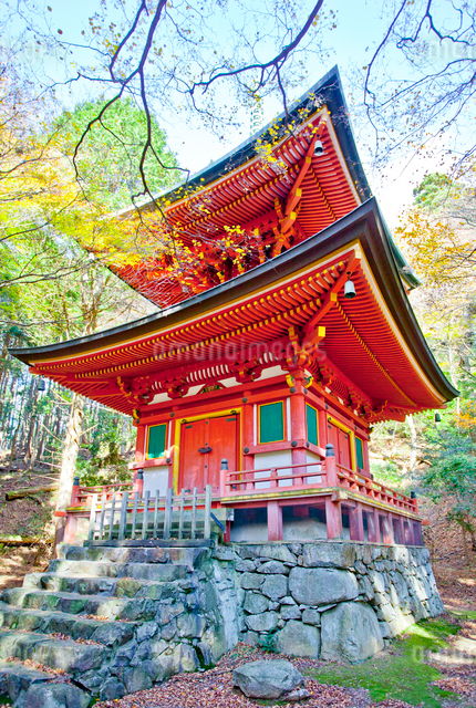 比叡山延暦寺横川の根本如法塔の写真素材 [FYI01625701]