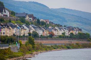 ライン川沿いのバッハーラッハの家並みの写真素材 [FYI01625794]