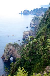 北山崎の断崖と奇岩の写真素材 [FYI01625964]