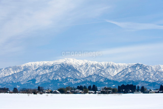 雪の二王子岳の写真素材 [FYI01626364]