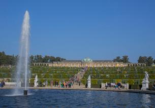 サンスーシ宮殿と庭園の噴水の写真素材 [FYI01626492]