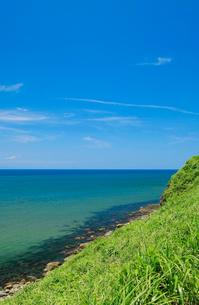 青空と日本海の写真素材 [FYI01626724]