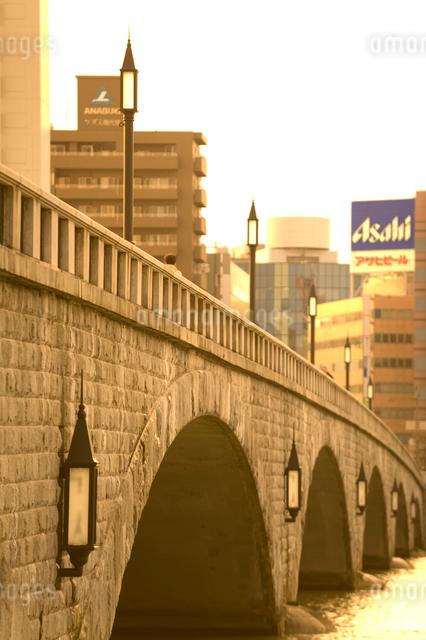 萬代橋と信濃川の写真素材 [FYI01627041]