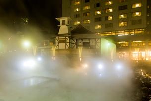 草津温泉の夜景の写真素材 [FYI01627090]