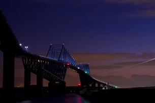 東京ゲートブリッジのライトアップの写真素材 [FYI01627158]