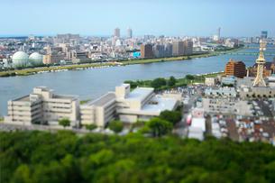 新潟市の街並みと信濃川の写真素材 [FYI01627619]