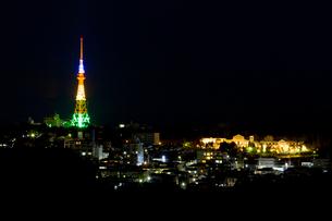 街並みの夜景の写真素材 [FYI01627769]