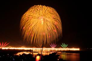 長岡まつりの花火の写真素材 [FYI01628427]