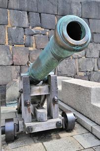 大阪城の大砲の写真素材 [FYI01628792]