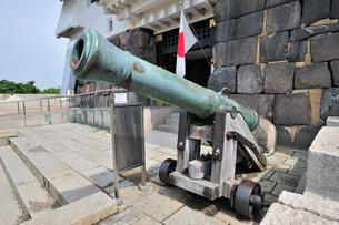 大阪城の大砲の写真素材 [FYI01628811]