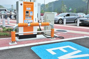 電気自動車用急速充電(EV QUICK CHARGER)の写真素材 [FYI01628950]