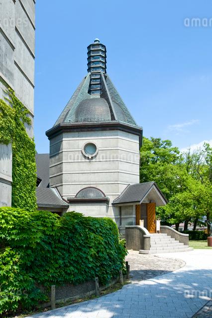 新緑の蕗谷虹児記念館の写真素材 [FYI01629594]