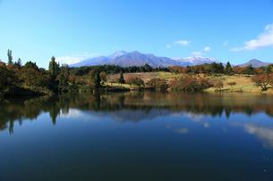 秋の妙高山の写真素材 [FYI01629886]