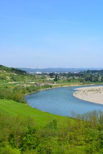 越後川口SAより信濃川を望むの写真素材 [FYI01629987]